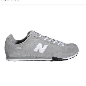 New Balance 442 Sneakers